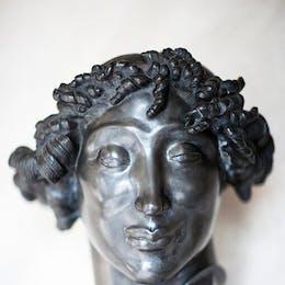 Kvinnohuvud